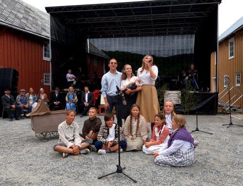 Bilder fra kavalkadekonserten til Stjørna Teaterlag